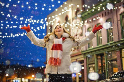 RMKクリスマスコフレ2018のネット通販の予約方法と発売日は?口コミや評判についても