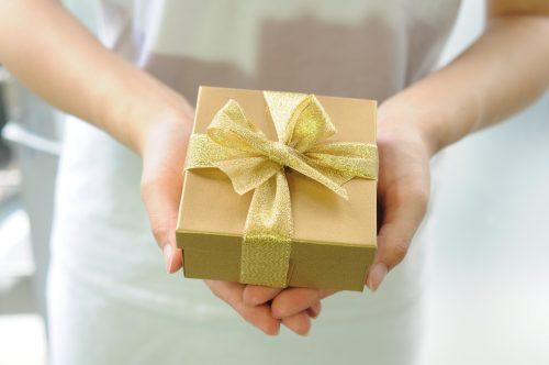 中学校の入学祝い2018で姪っ子が喜ぶプレゼントの相場と人気ランキング15選!